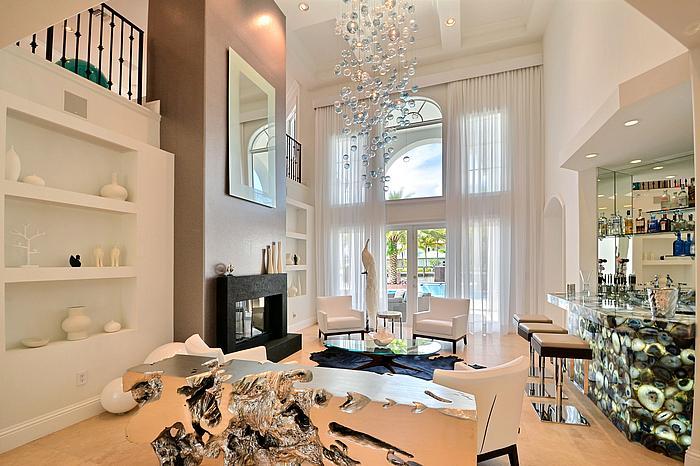 livingroom4_700.jpg