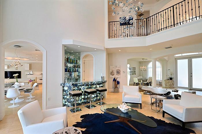 livingroomdiningroom1_700.jpg