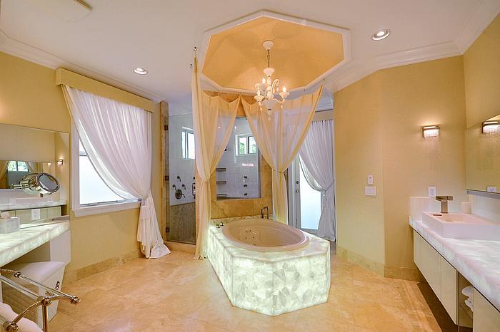 masterbathroom2_700.jpg
