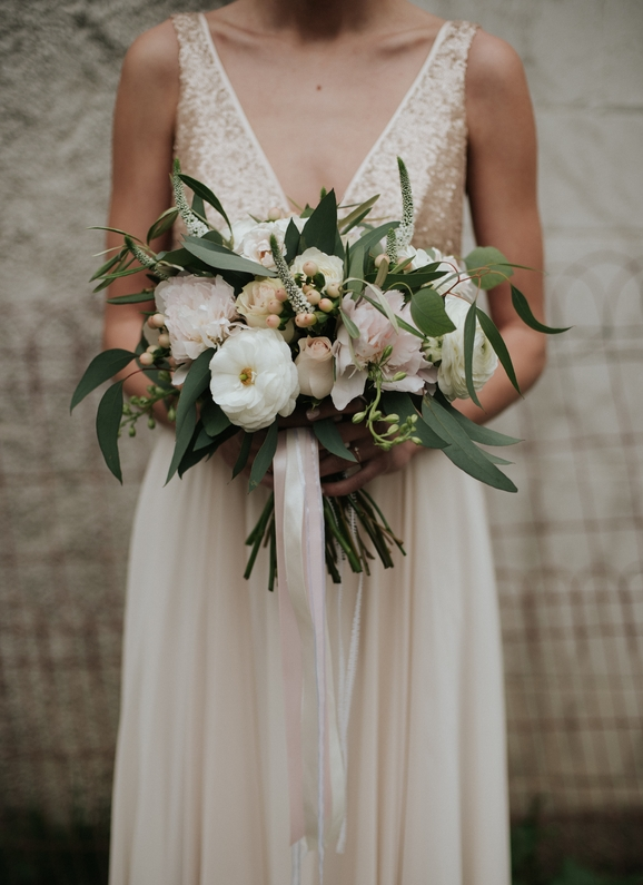WEDDING FLORIST DESIGN BY THE NOUVEAU WEDDING. WEDDING PHOTOGRAPHY IN RUSTON, LOUISIANA.