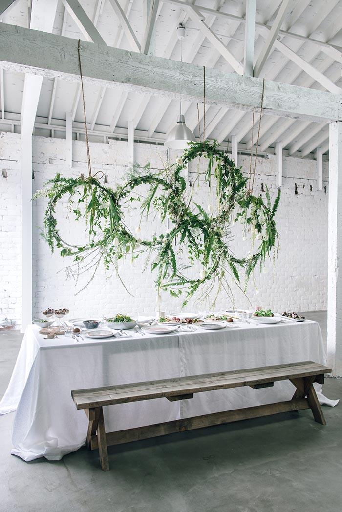 circle hanging elements wedding