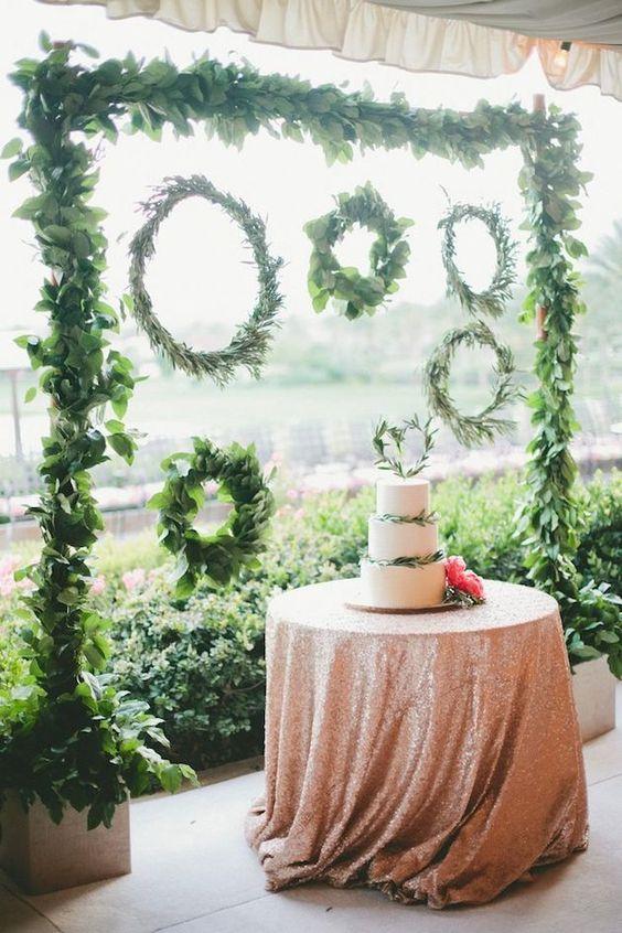 Greenery-Wedding-Wreaths-and-cake-ideas.jpg