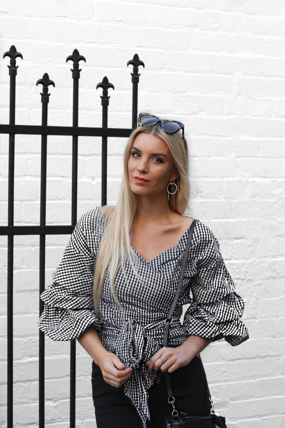 HOW TO WEAR GINGHAM IZZY SMITH