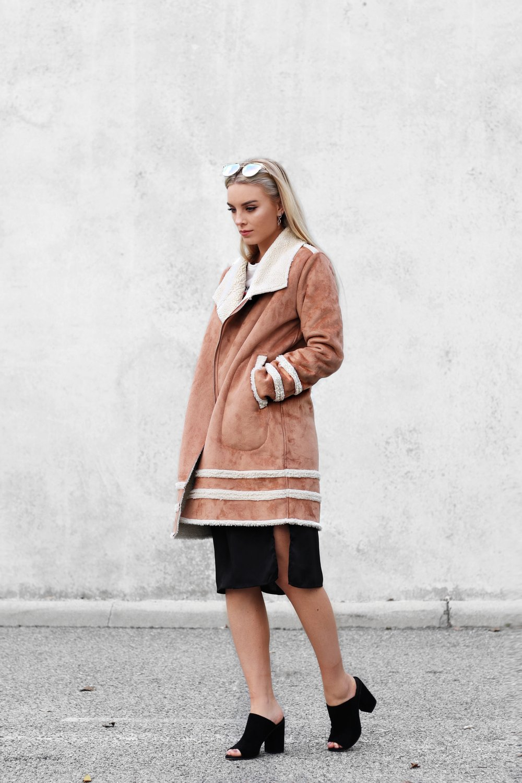 Brown Shearling Coat in Winter 2 | Izzy Wears Blog
