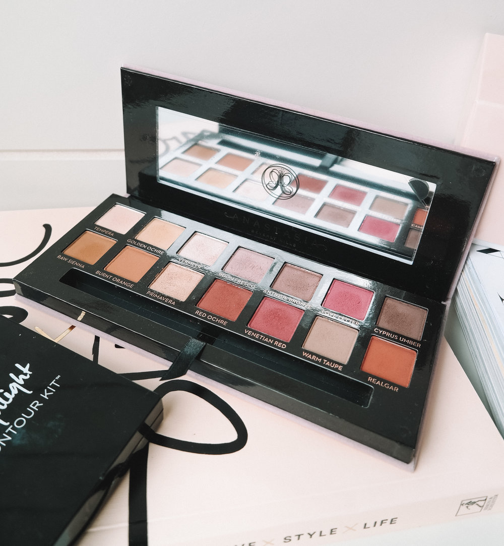 Modern Renaissance Eyeshadow Palette from Anastasia Beverly Hills review | Izzy Wears Blog