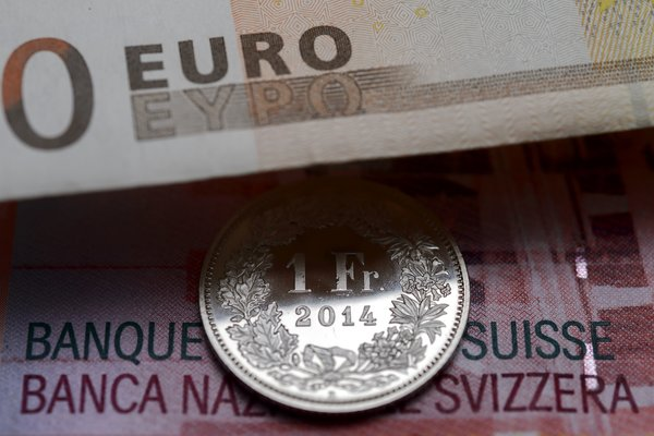 16swissfranc-web1-articleLarge.jpg