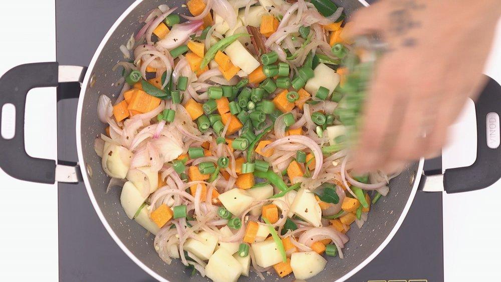 20161101_FOOD_Pallavi_Vegetable Stew_49.jpg