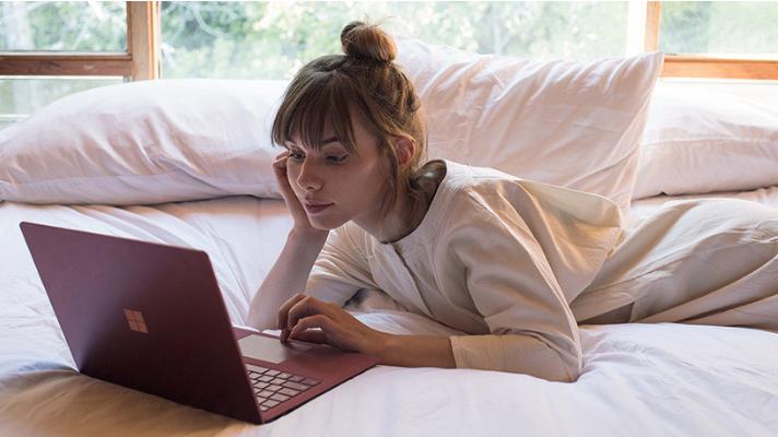 laptop-girl.png