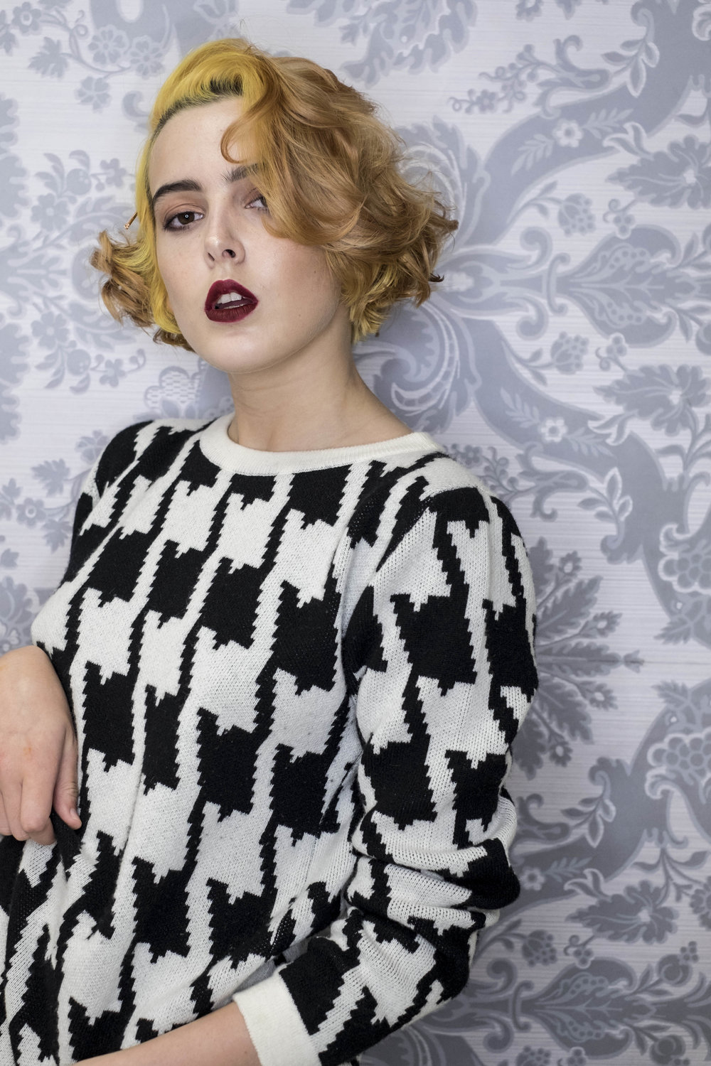 cross-cashmere-houndstooth-lynne-mccrossan-william-lockie.jpg