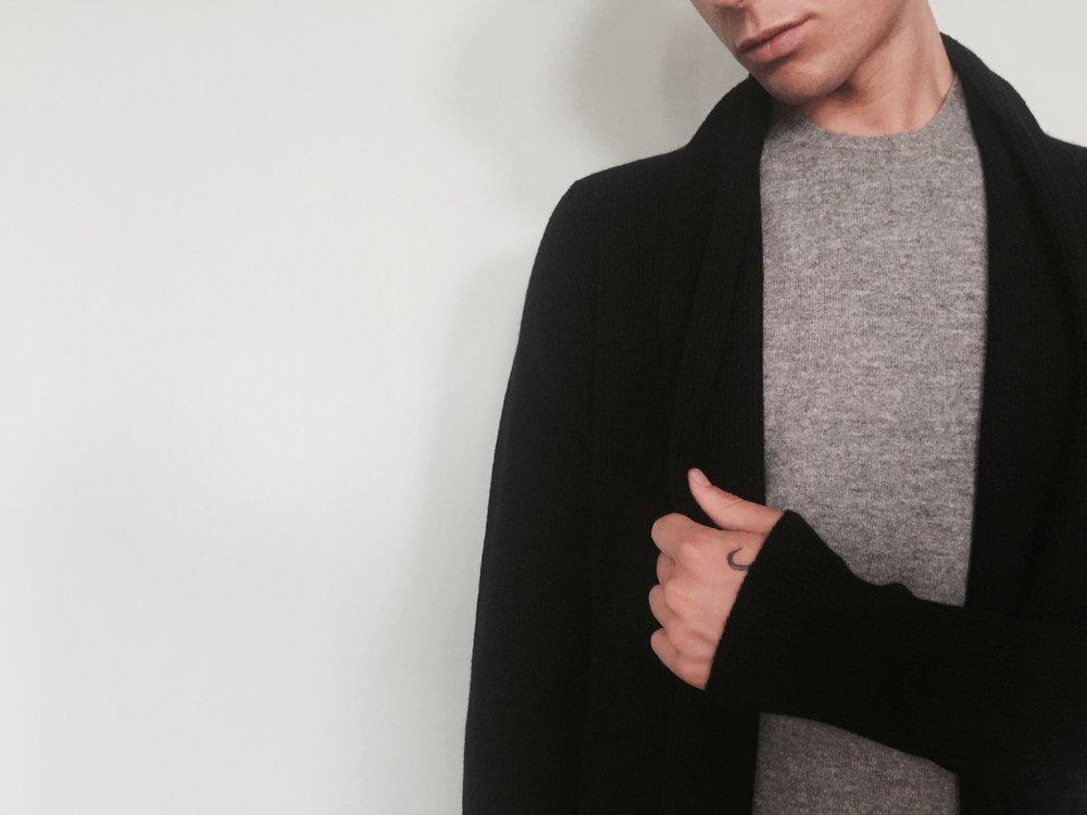 cross-cashmere-lynne-mccrossan-grey-t-shirt-wrap-william-lockie.jpg