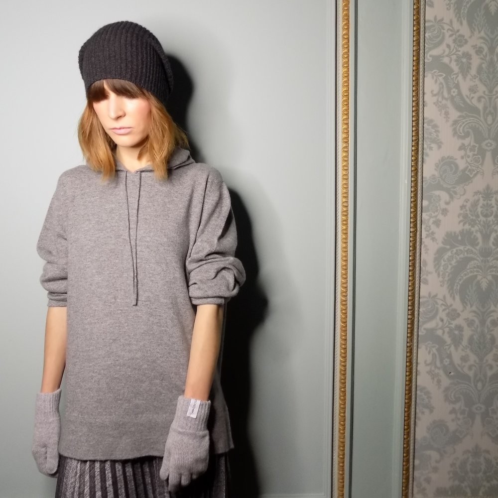 cross-cashmere-hat-charcoal-gloves-grey-hoodie-made-in-scotland.jpg