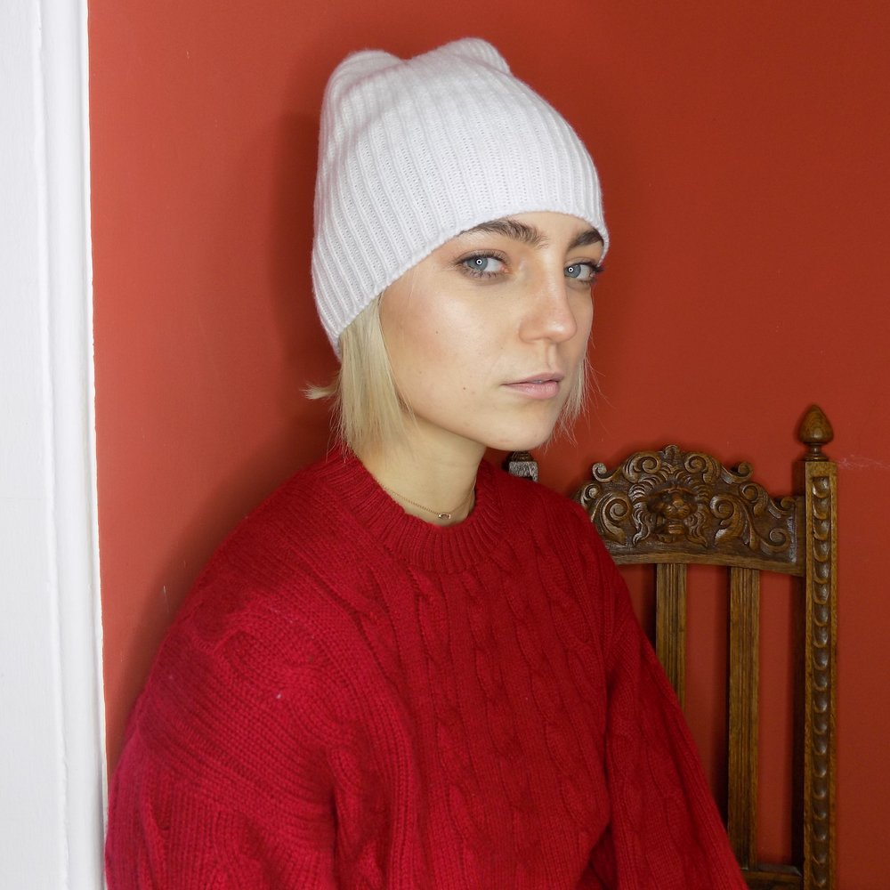 cross-cashmere-red-cable-knit-4-ply-simone-murphy-lynne-mccrossan-how-to-wear-a-hat.jpg