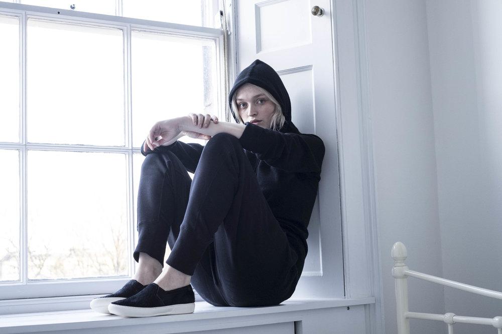 black-cashmere-hoodie-scottish-cashmere-cross-cashmere-william-lockie.jpg
