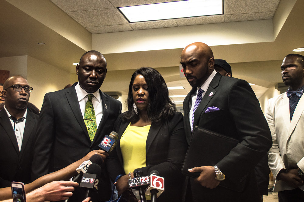 May 17, 2017.  12:31 P.M.  Doctor Tiffany Crutcher holds a press conference outside the courtroom where final arguments have just concluded and the jury has left for deliberation on the eighth day of the trial.