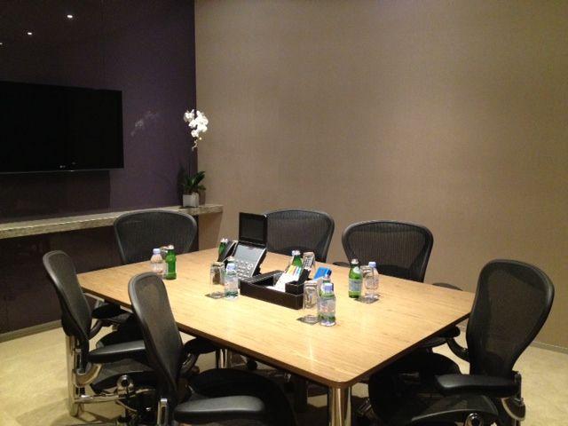 Meeting Room 6pax.jpg