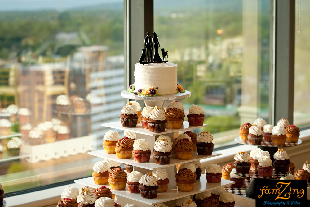cupcakes food wedding greenville sc south carolina commerce club downtown greenville spartanburg anderson cake eat wedding ceremony reception premiere party entertainment music dj djs disc jockey