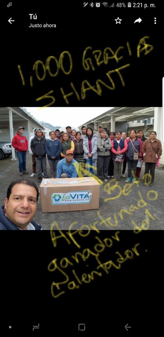 Paradise Solar el patrocinador de un sorteo a una familia que es el afortunado ganador de un calentador solar.