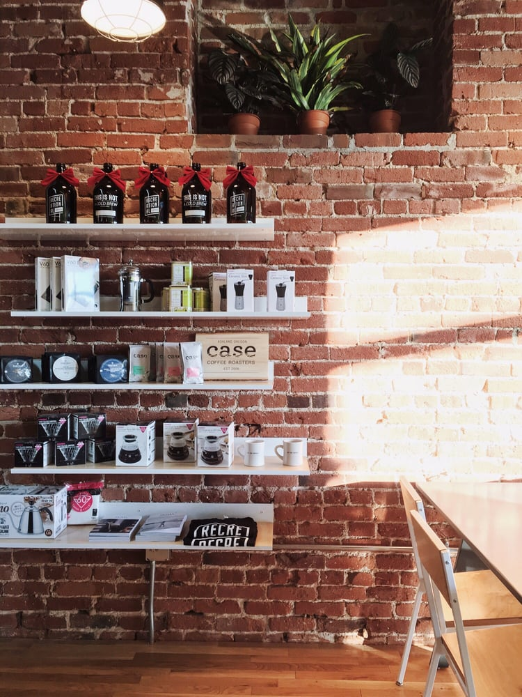 5. Recreational Coffee - Good for work/study: Yes~Aesthetics: beautiful brick walls, lovely baristas. Mixed vibes (in the heart of downtown Long Beach so all sorts of people - from tidy businessmen to yogis and tourists)Coffee: So good! Also one of the bests around town. 9 out of 10