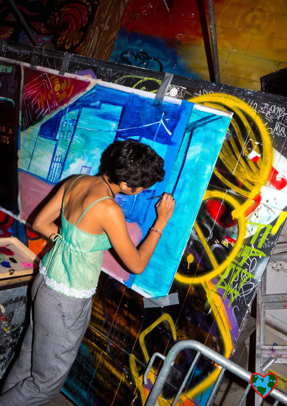 lady painting-1188262.jpg