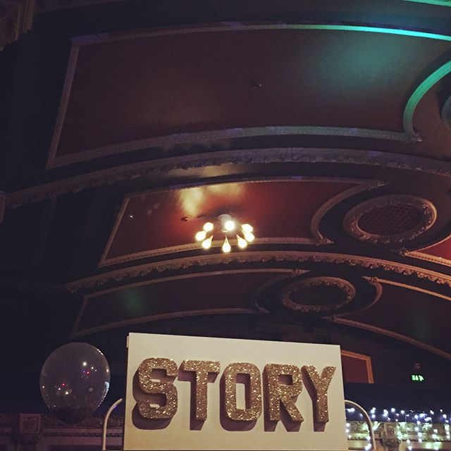 Delighted to share #MindHug with the Christmas crowd visiting our storytelling space at #familyxmasfest today. We had a wonderful time reading stories @komedia_bath! Big thanks to all involved, especially @kin_bath & @littlethingsmagazine. . Part of every sale of Mind Hug: The first story goes to @_place2be, a mental health charity working in schools. Every £1 counts – see where the money goes at goo.gl/hRrQEA