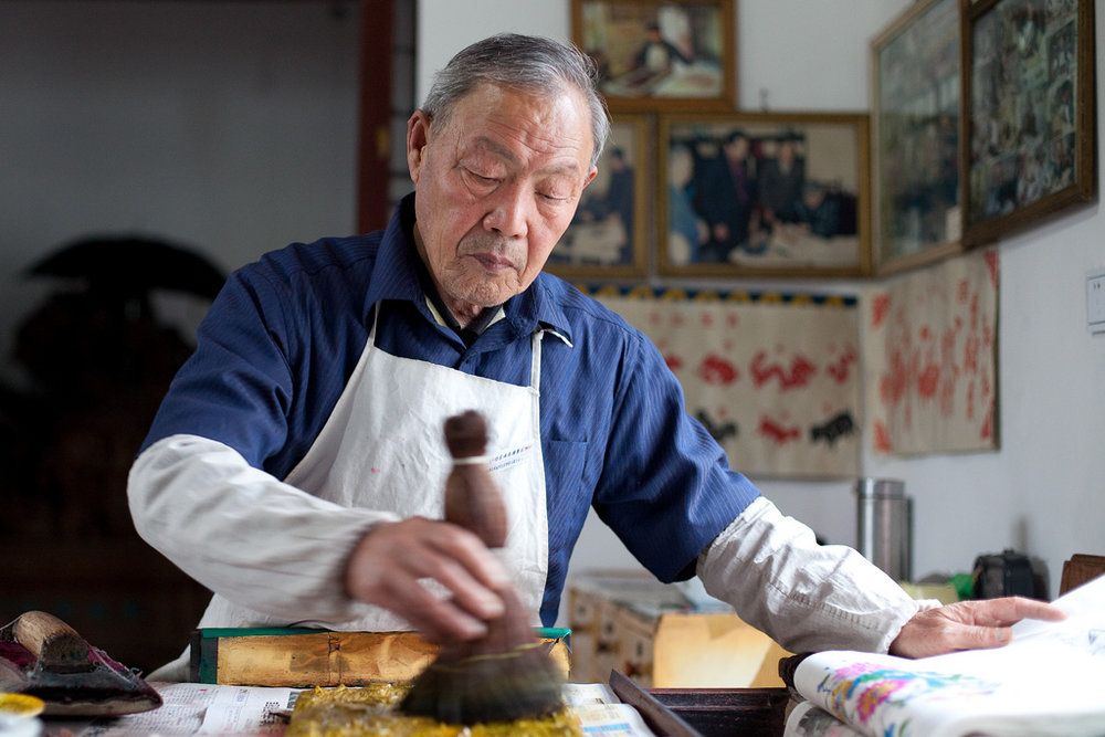 Long Wai is practicing calligraphy, Weifang China