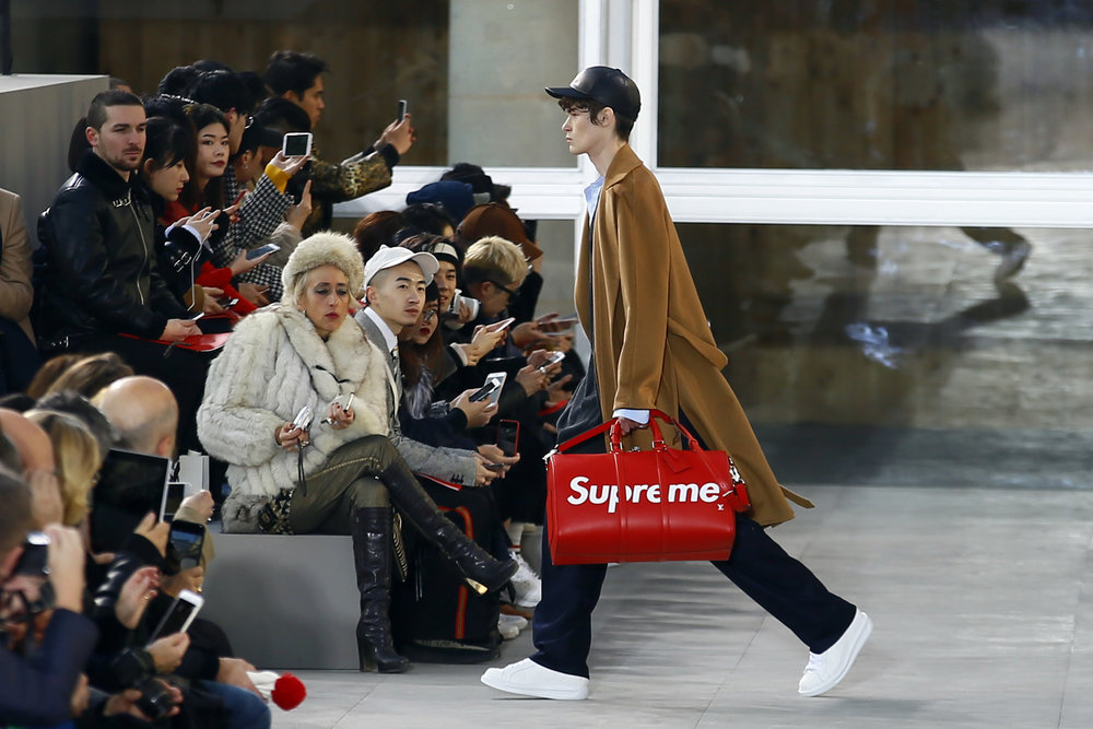 Creative cooperation between Louis Vuitton and Supreme in Paris Fashion Week