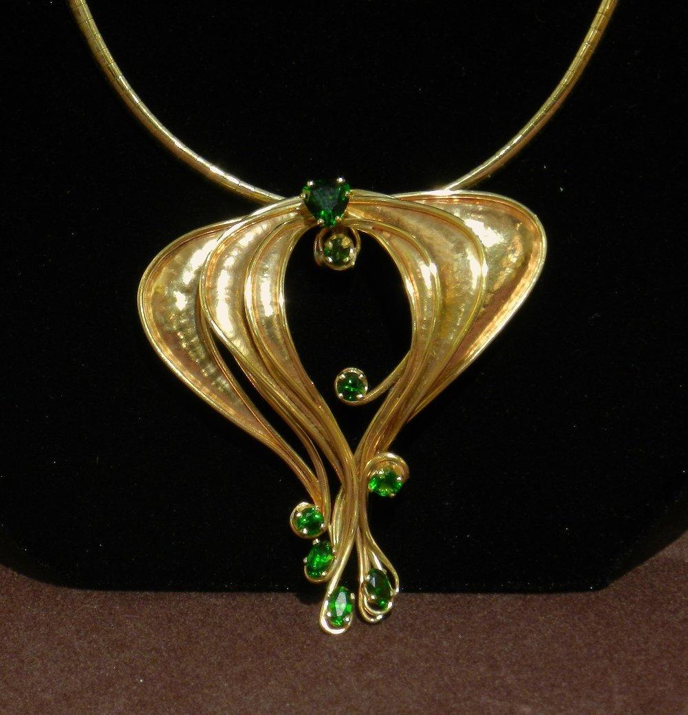 Antique Art Nouveau 18k Gold Pendant