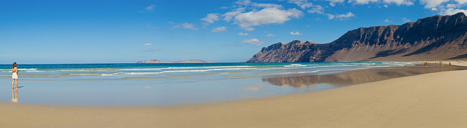 Famara beach.jpg