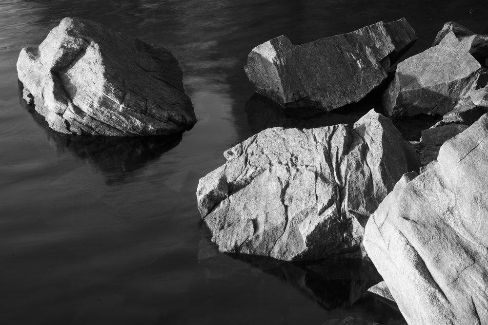 Stones in water, Redding