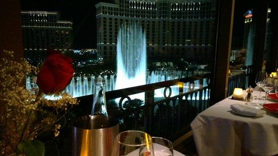 By Photo Congress || Restaurant Las Vegas Eiffel Tower