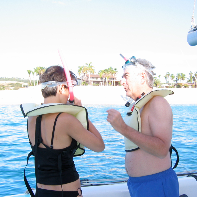 fam-snorkelling.png
