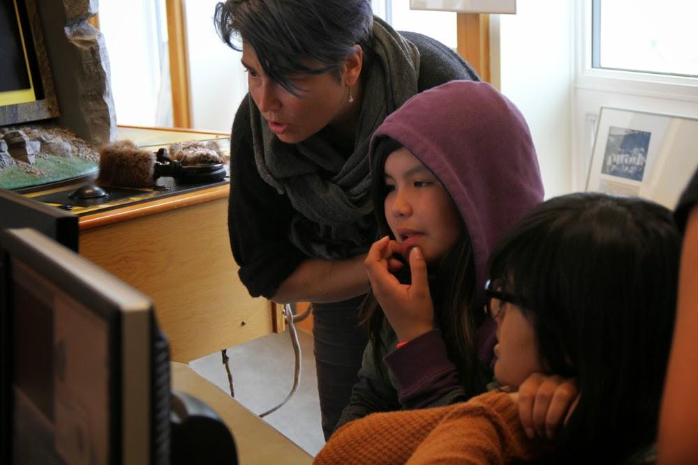 Lisa M gives editing advice to Jocelyn and Ms Sharma