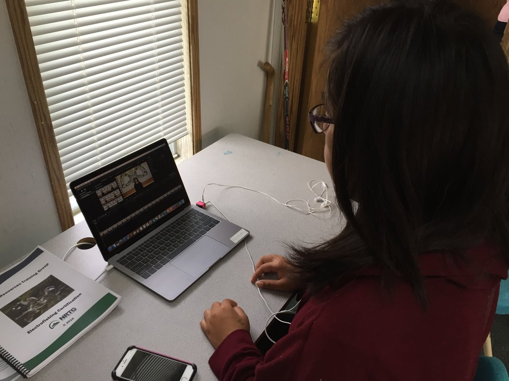 Roberta editing Pewi's interview - from 40 minutes down to 7 minutes...GO girl!