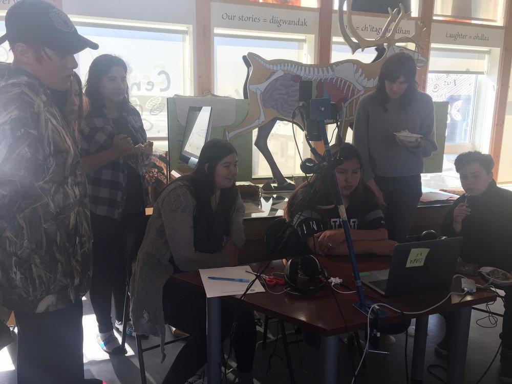 Dean, Jocelyn, Monica, Sophie, Zoe and Kellen watch Ciara's final edit! AMAZING!