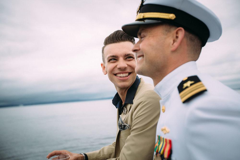 BoJustin-Seattle-Wedding-Boat.jpg