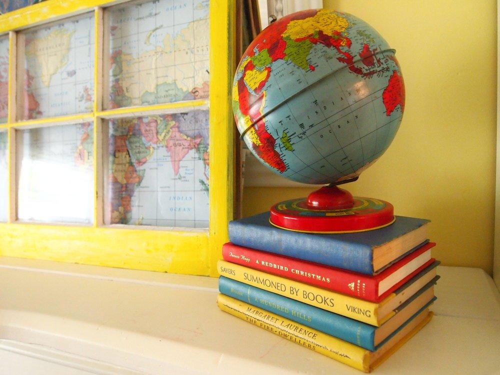 globe books.jpg