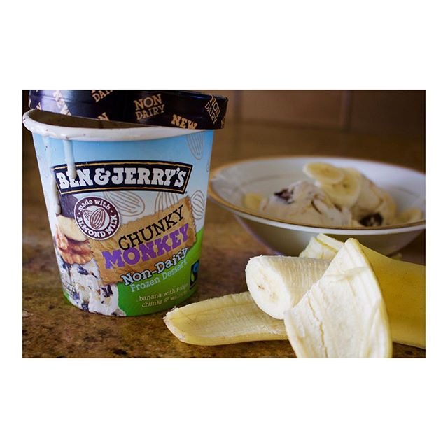 I'd like to take a second to honour @benandjerrys for this delightful #nondairy chunky monkey #icecream 😋I can't wait to get my hands on the other flavours!