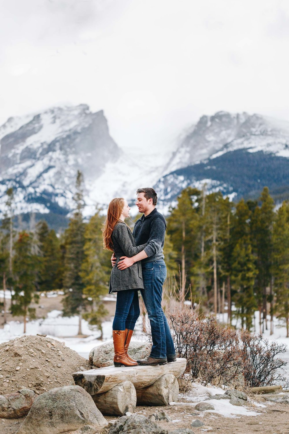 Winter-engagement-photo-session-in-Rocky-Mountain-National-Park-127.jpg