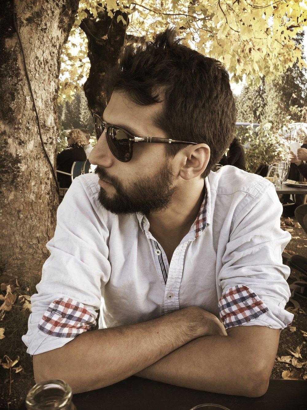 Juan Carlos Farah - Software Developer, Harvard Absolvent, Football- und Astronomie Enthusiast. Juan Carlos ist einer von Selmas Kunden und Contributoren.