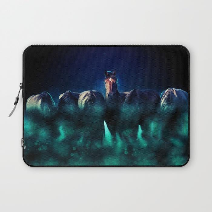 dark-horse166075-laptop-sleeves.jpg