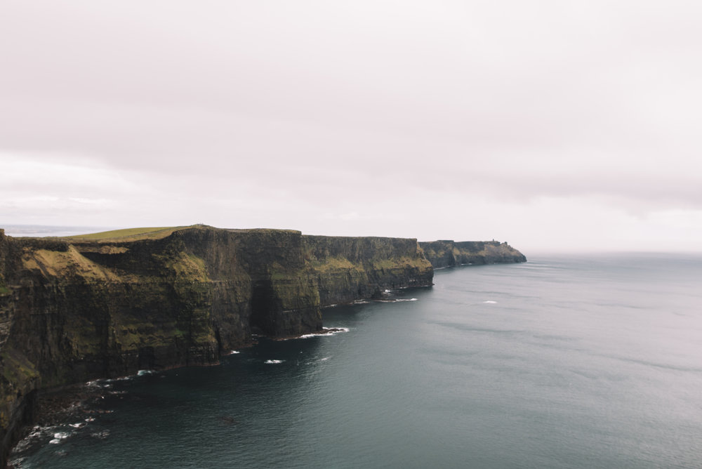 proposal on the cliffs of moher, proposal photographer, Lucie watson photography
