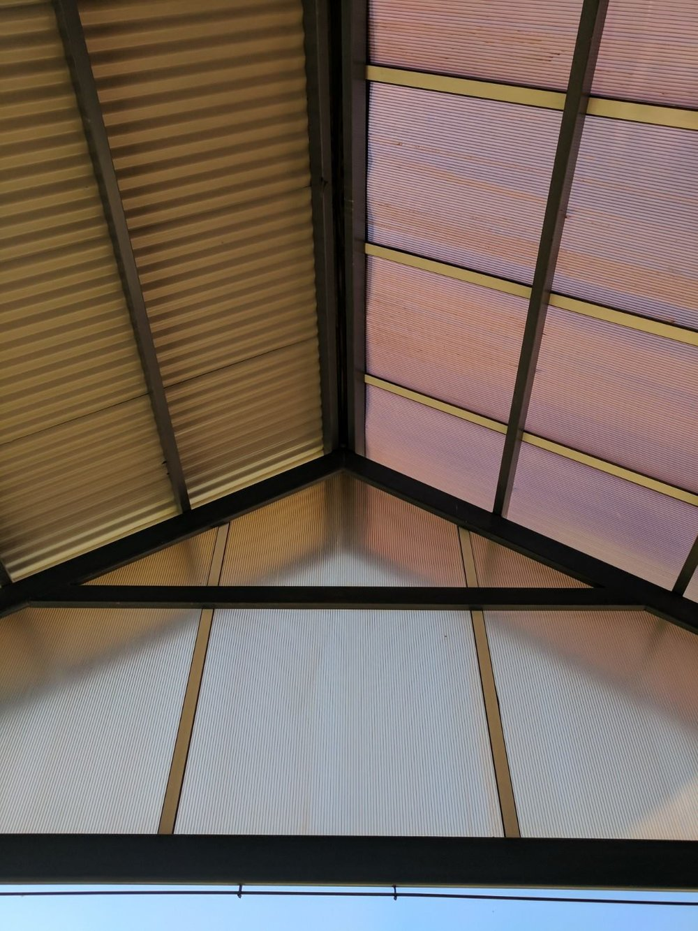The Lapa roof - solid to the harsh north, transparent to allow light in