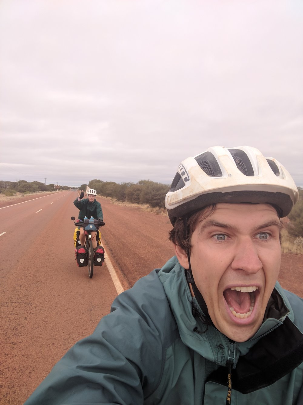 Leaving Laverton with freezing winds blowing us west!