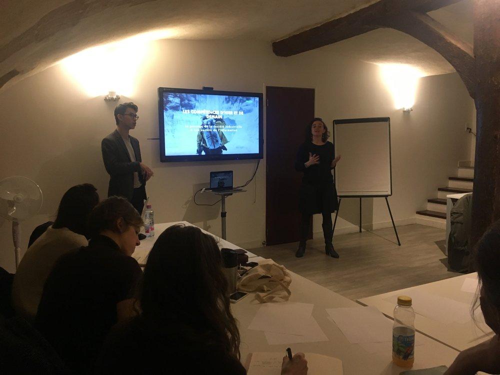 Atelier - Acquérir le Lean Mindset   Lieu: Paris Pionnières  Un atelier de 2h où nous avons travaillé différents leviers de productivité en utilisant les fondements du Lean Startup.
