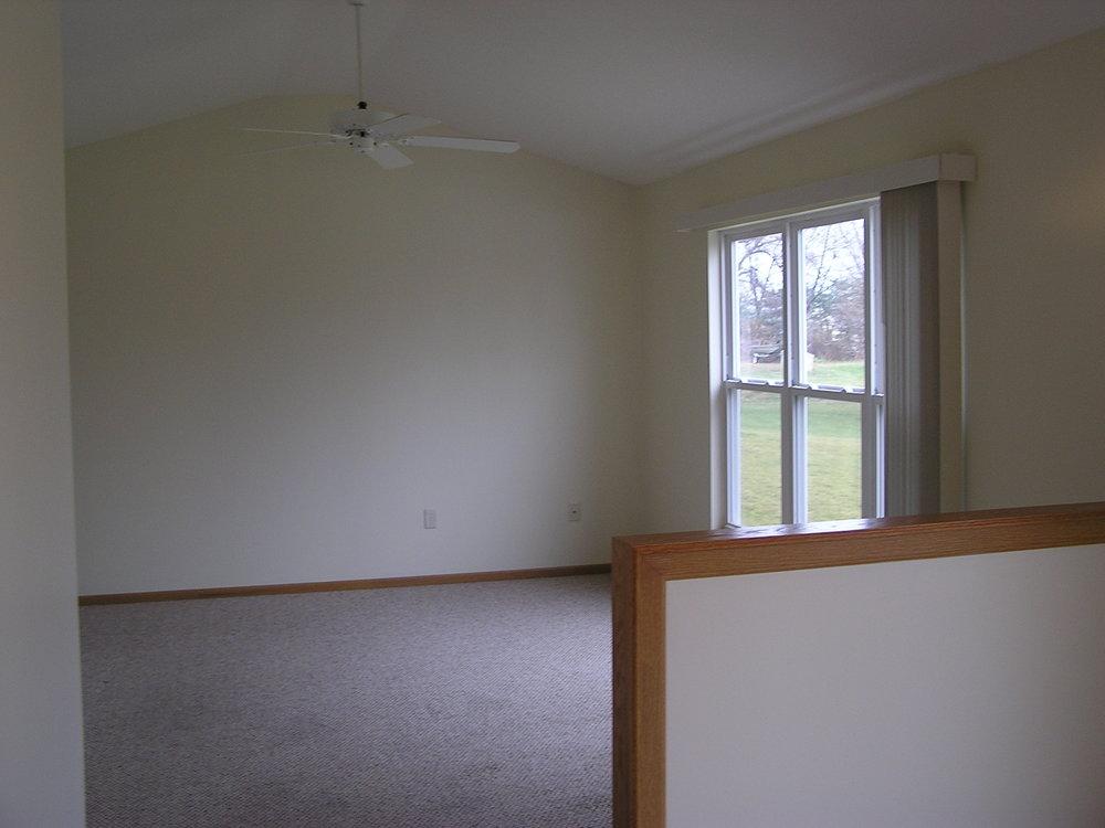 dcs-companies-residential-rental-property-jarvas-road-duplex-akron-ohio-3.jpg