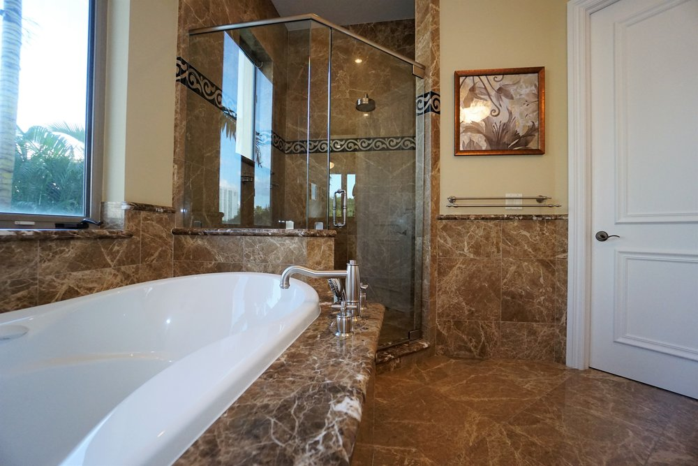 guess bathroom 11.jpg