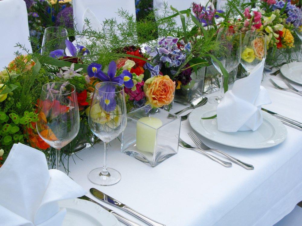 Wedding-table-setting-137595271_1600x1200.jpeg