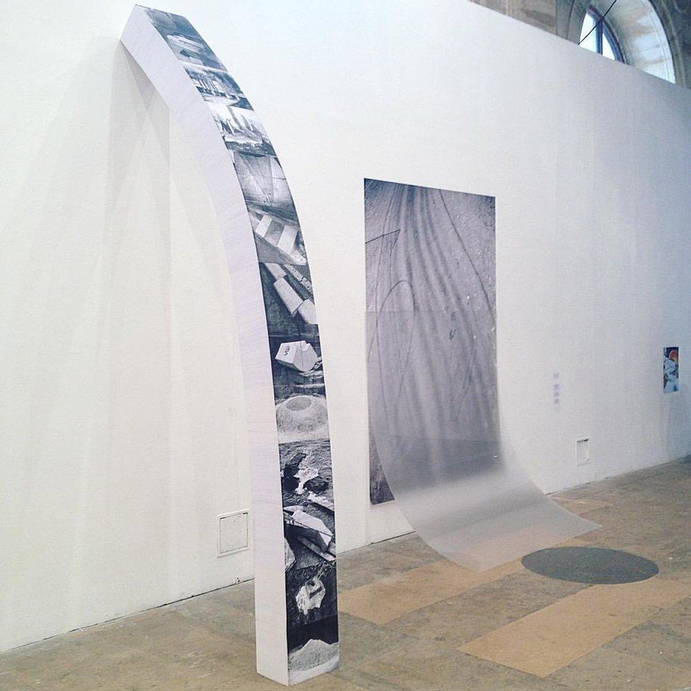 Le livre comme fondation. Colonne de papier par Caroline Reveillaud, Prix des Amis A l'École nationale supérieure des beaux-arts de Paris