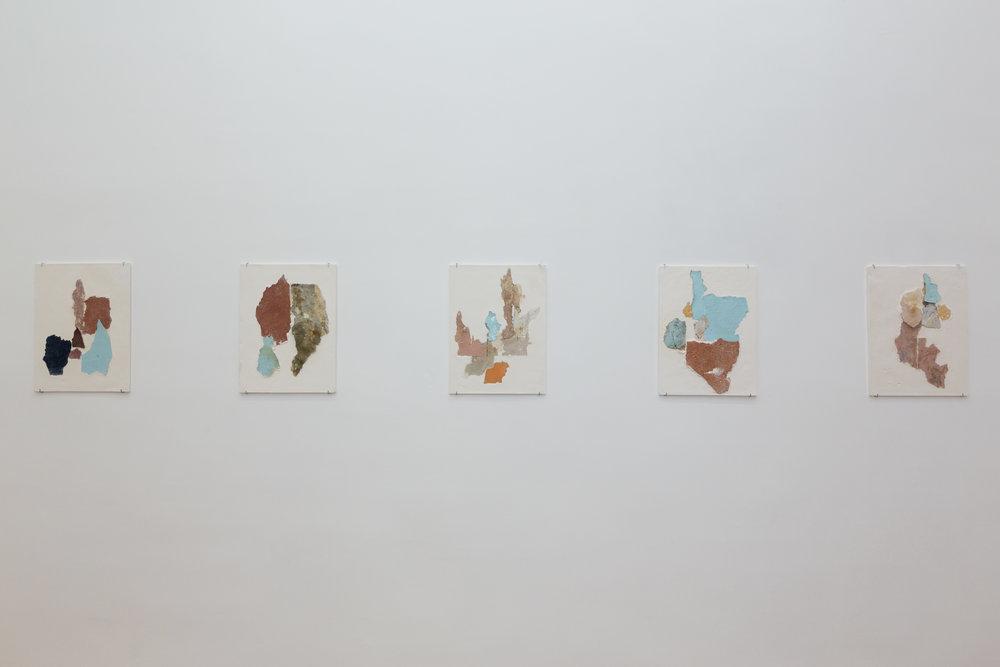 Manoela Medeiros, série  Continents ,août 2017  Fragments de murs, plâtre 30 x 40 cm