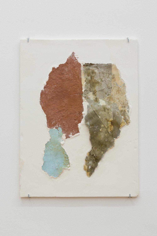Manoela Medeiros, Continent III, août 2017  Fragments de murs, plâtre 30 x 40 cm